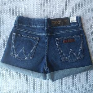 NWT Wrangler Retro Mae Mid Rise DW Jean Shorts 4